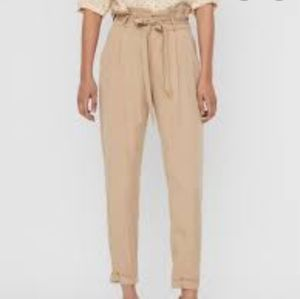 Aritzia Wilfred high waisted pant